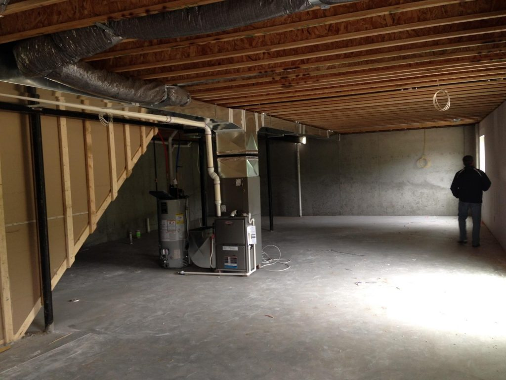 unused basement with entertainment possibilities in home