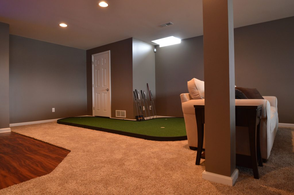 putting green in basement with carpet